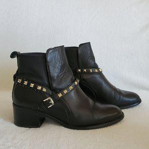 Stradivarius Lack Ankle Boots